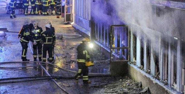 İsveç'te cami kundaklandı