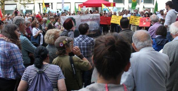 İsviçre'de barış mitingi: Yapmadıklarımızın da sorumlusuyuz!