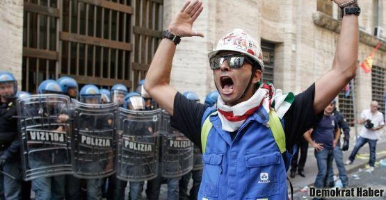 İtalya'da işçiler sokakta!