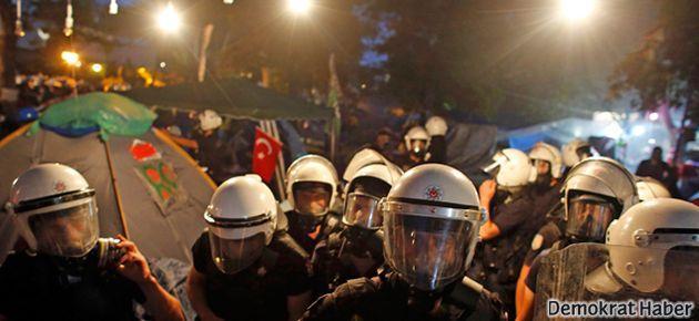 İtalyan Basını: Türkiye yanıyor