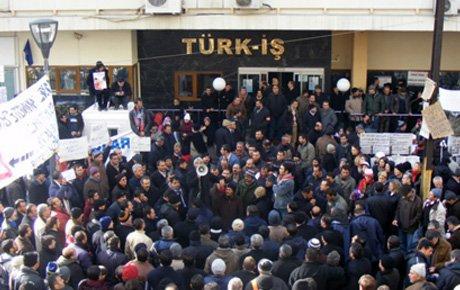 İzmir Türk-İş te eylem