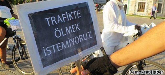 İzmir'de bisiklete saygı eylemi