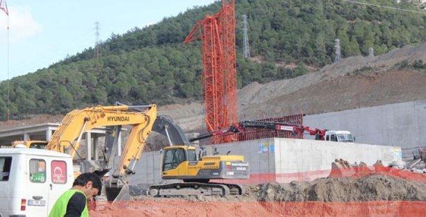 İzmir'de iş cinayeti: 1 işçi öldü, 1 işçi yaralandı