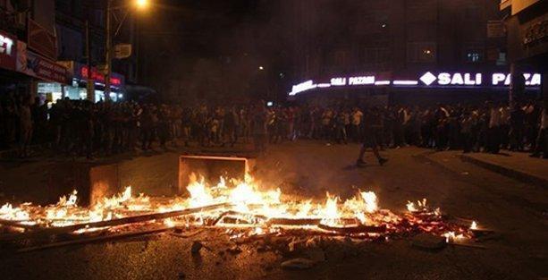 Kobani eylemlerine katılan Ekrem Kaçaroğlu'nu linç edenler serbest!