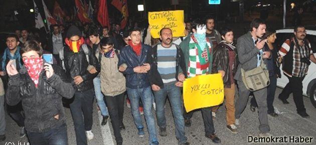 İzmir'de ODTÜ protestosu