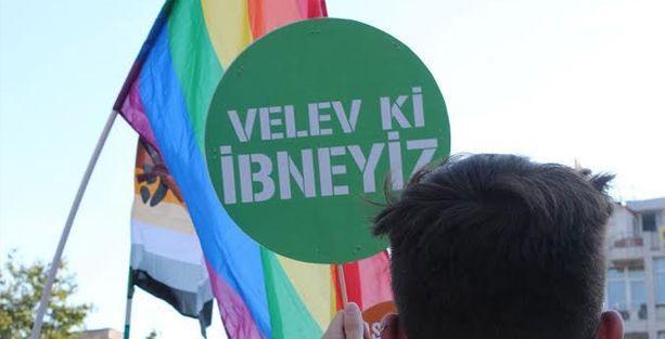 İzmir'de onur yürüyüşü