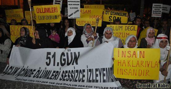 İzmir'de STK'lar açlık grevleri için eylem yaptı