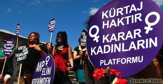 İzmir'li kadınlar 'güvenilir kürtaj hakkı' istedi