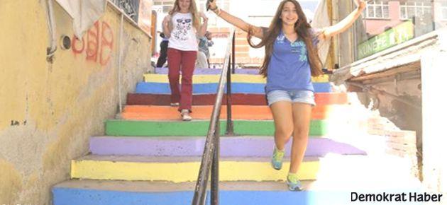 İzmit'te de merdivenler rengarenk