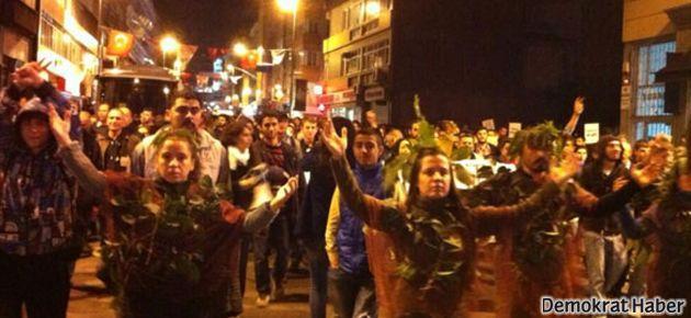 Kadıköy'de binler 'Her yer ODTÜ, her yer direniş' dedi