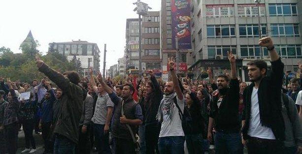 Kadıköy'de Kobani eylemine saldırı