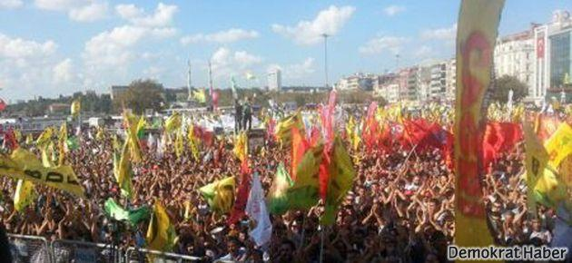 Kadıköy'de on binler barış için buluştu