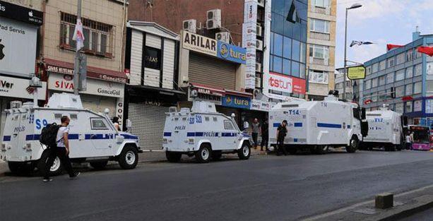 Kadıköy'de polis ablukasında 1 Eylül etkinliği