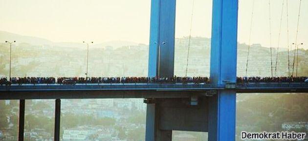 Kadıköy'den Taksim'e yürüyen gruba polis saldırısı