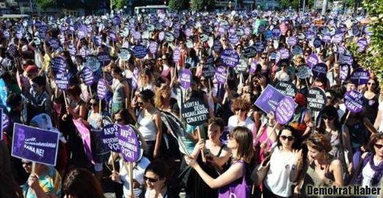 Kadınlar 8 Mart'ta grevde