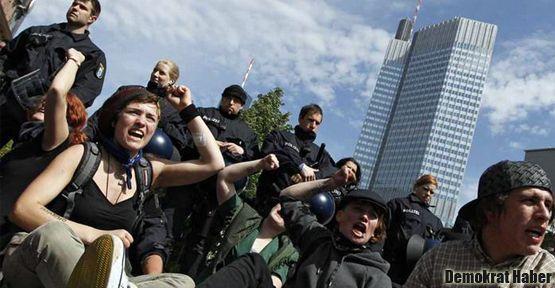 Kapitalizme karşı 'Blockupy'