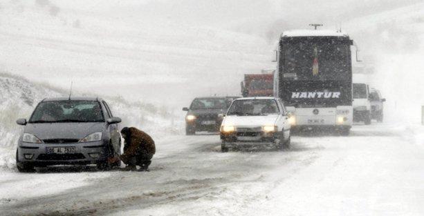 Kar nedeniyle yolda kalanlar için acil durum numaraları