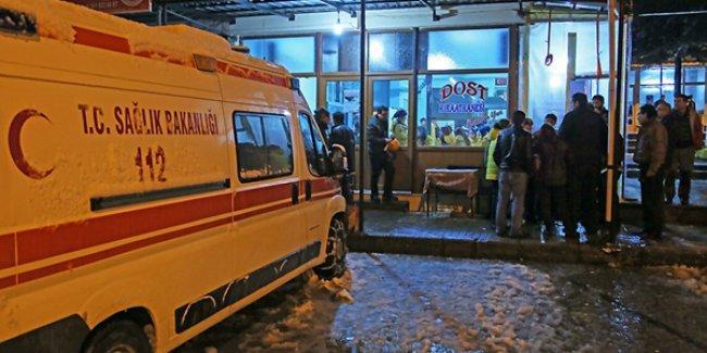 Karda mahsur kalan 19 dağcı kurtarıldı