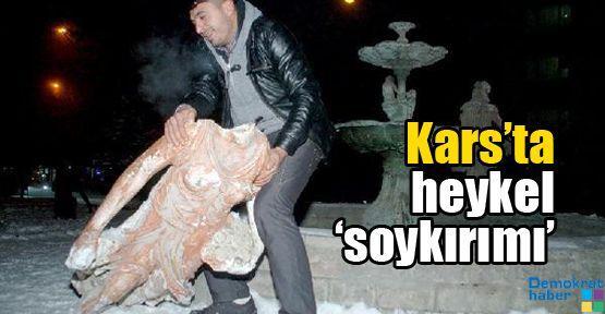 Kars'ta heykel 'soykırımı' sürüyor
