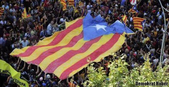 Katalanlar bağımsızlık için yürüyecek