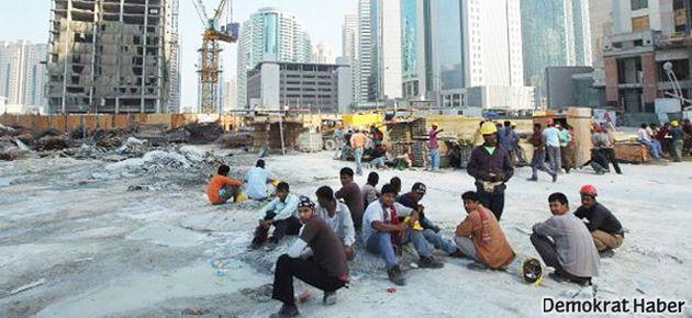 Katar'da göçmen işçilere 'hayvan muamelesi'