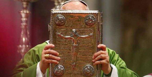 Katolik Kilisesi'nden 'eşcinsel açılımı'