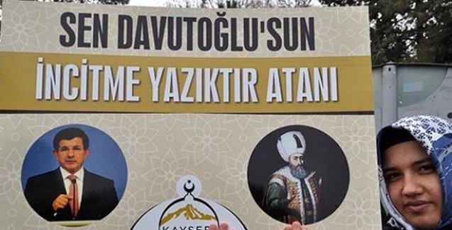 Kayseri'de Charlie Hebdo protestosu: Kouachi kardeşler, Müslümanların yüzünü ağarttınız