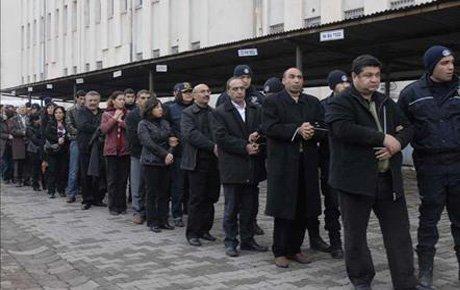 Yargıtay KCK davalarında 43 kişinin cezasını onadı