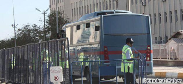 KCK davasında 13 öğrenciye 109 yıl hapis cezası