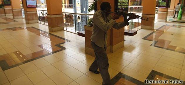 Kenya'da AVM'ye baskın: 22 ölü