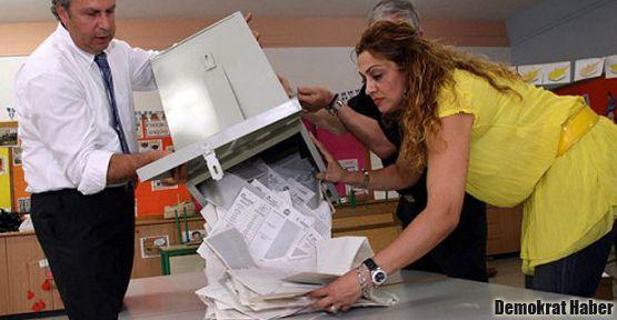 Kıbrıs'ta seçim ikinci tura kaldı