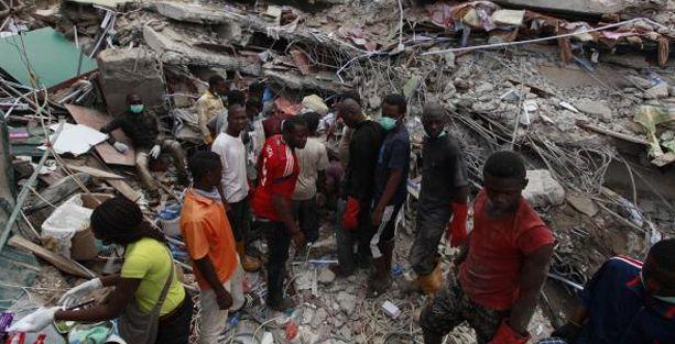 Kiliseye ait konukevi çöktü: 17 ölü