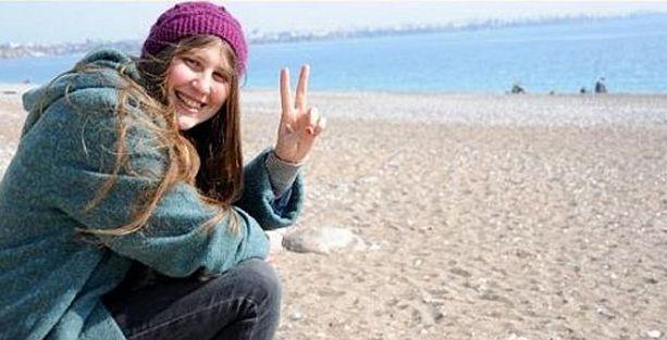 'Kırmızı fularlı kız' neden PKK'ye katıldığını anlattı