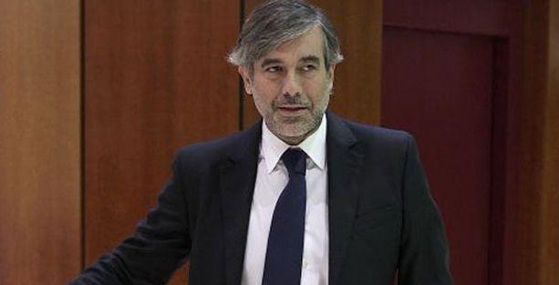 Kırmızı ışıkta geçen Anayasa Mahkemesi yargıcı istifa etti