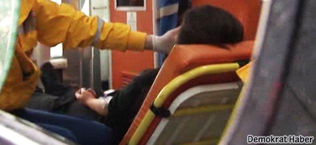 Kız öğrenci okulda herkesin önünde bıçaklandı