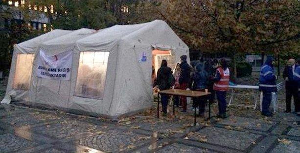 Kızılay'a 'homofobi' protestosu