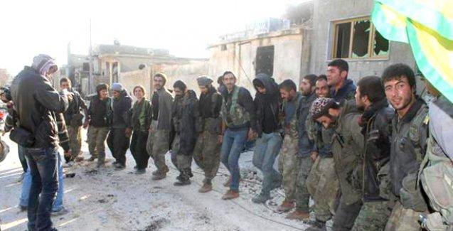 Kobani'de YPG ve YPJ savaşçılarından zafer halayı!
