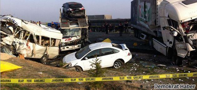 Konya'da TIR kazası: 9 ölü