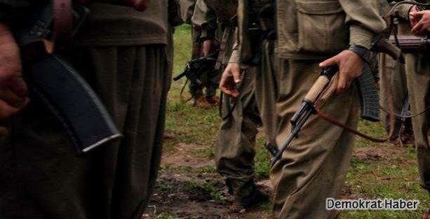 Korucular, PKK kıyafeti giyip köy kahvesini bastı