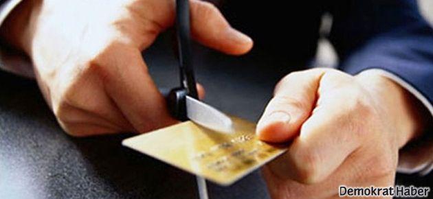 Kredi kartı ve hesap kartını kapatanlar dikkat!