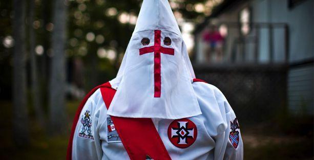 Ku Klux Klan, ABD'de siyahi genci vuran polise ödül veriyor