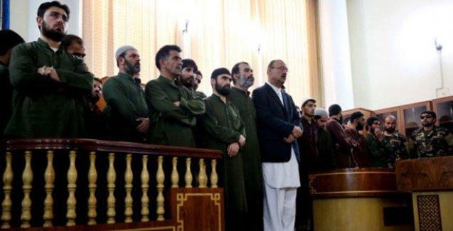 Kur'anı yaktığı bahanesiyle genç kadını öldüren dört kişiye idam cezası
