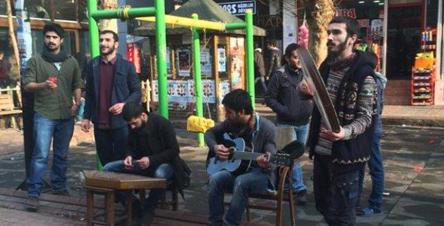 Kürdistan'da sokaklara nefes veren sokak müzisyenleri