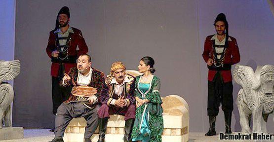 Kürtçe 'Hamlet' Ankara'da sahnelendi