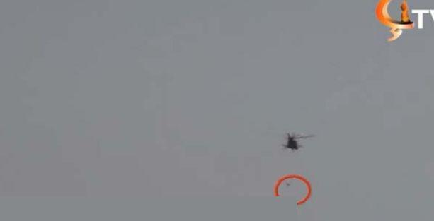 Kurtulmak için helikoptere tutunan Şengalliler, düşüp hayatını kaybetti