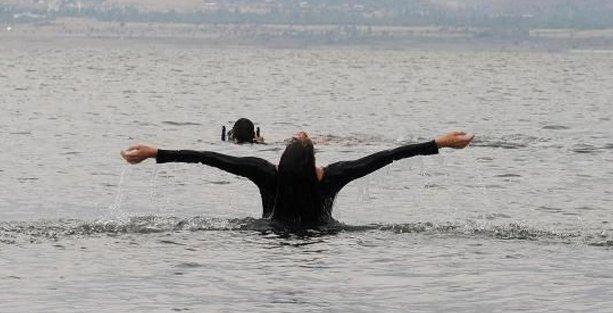 Kuruma tehlikesine karşı suda dans