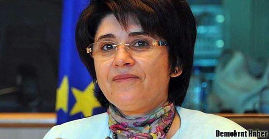 Leyla Zana cezaevindeydi: Çok zayıflamışlar