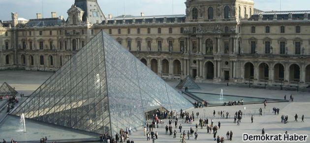 Louvre Müzesi'nde grev var