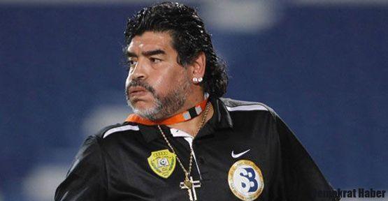 Maradona 'tiksiniyorum' dedi, futbolu bıraktı