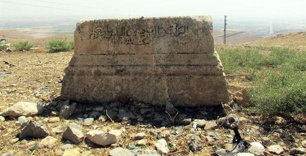 Mardin Protestan mezarlığından foseptik borusu geçiyor